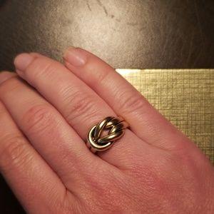 "Premier Design gold ring ""Love Knot"" model"